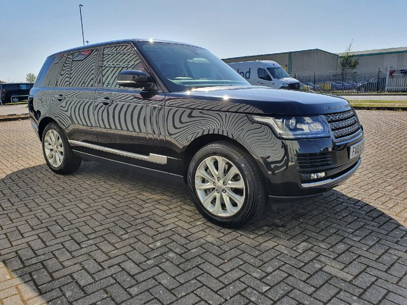 View LAND ROVER RANGE ROVER 3.0 TDV6 AUTO START-STOP VOGUE 5 DOOR IN BLACK VERY HIGH SPEC