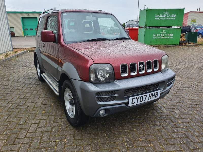 View SUZUKI JIMNY 1.3 VVTi JLX 3 DOOR MANUAL PETROL IN RED FULL MOT