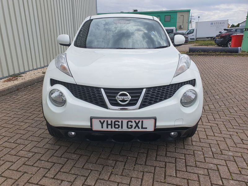 View NISSAN JUKE 1.5 DCI TEKNA 5 DOOR MANUAL DIESEL IN WHITE
