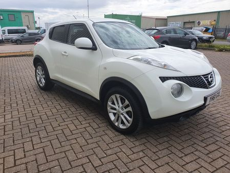 NISSAN JUKE 1.5 DCI TEKNA 5 DOOR MANUAL DIESEL IN WHITE