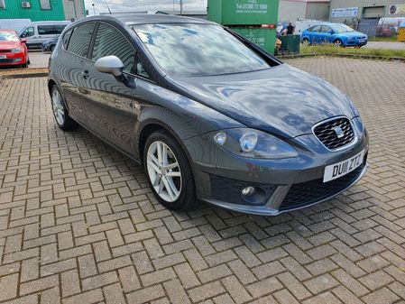 SEAT LEON 2.0 TDi 170 FR 5 DOOR MANUAL DIESEL IN GREY