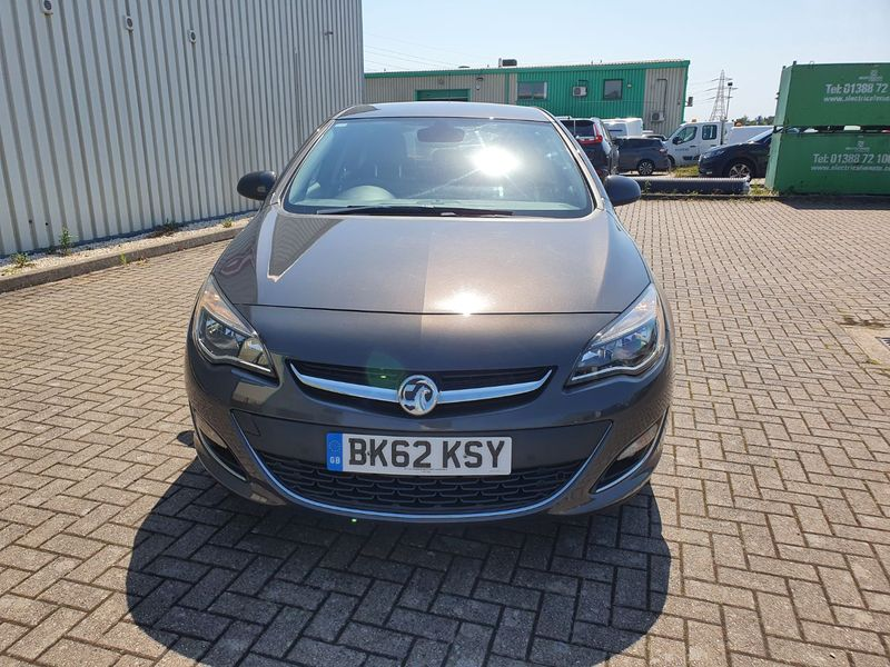 View VAUXHALL ASTRA 1.7 CDTi 130 ECOFLEX START-STOP ELITE 5 DOOR MANUAL DIESEL ** NOW SOLD **