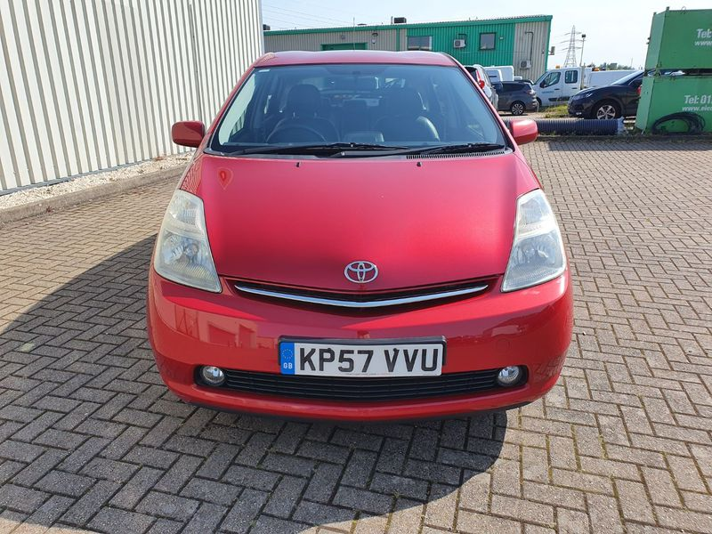View TOYOTA PRIUS 1.5 VVT-i AUTO T SPIRIT HYBRID 5 DOOR PETROL IN RED