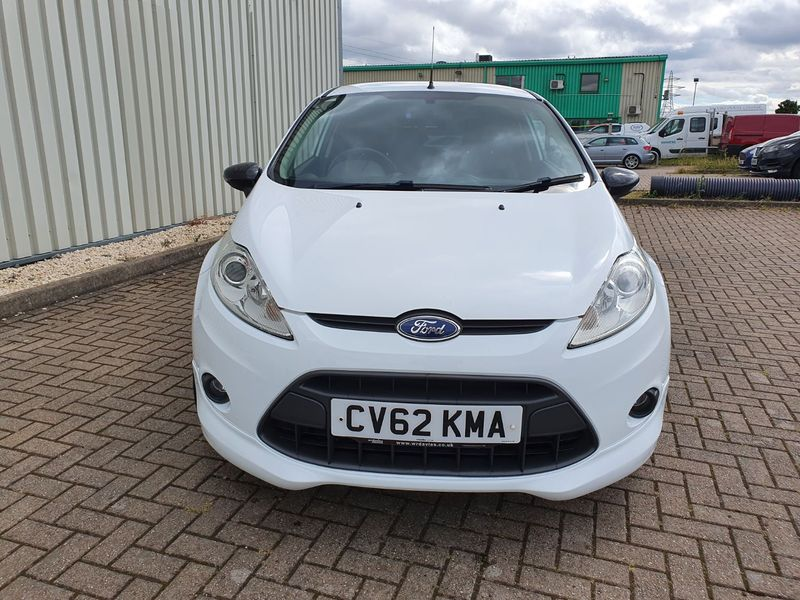 View FORD FIESTA 1.6 TDCi ZETEC S 3 DOOR MANUAL DIESEL IN WHITE
