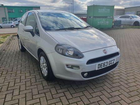 FIAT PUNTO 1.2 EASY 3 DOOR MANUAL PETROL IN GREY