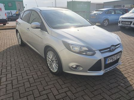 FORD FOCUS 1.6 ZETEC TDCI 5 DOOR MANUAL DIESEL IN SILVER