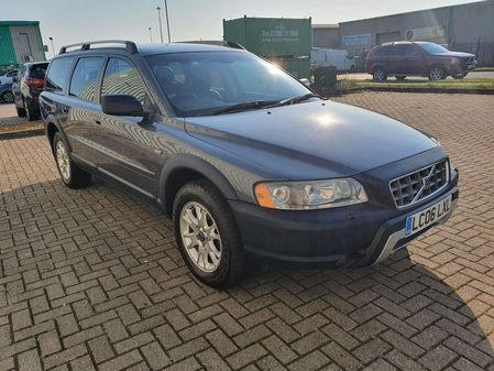 VOLVO XC70 D5 SE LUX 5 DOOR MANUAL DIESELESTATE  IN GREY