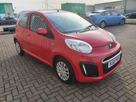 CITROEN C1 1.0 VTR 5 DOOR MANUAL PETROL IN RED 4000 MILES FROM NEW!!