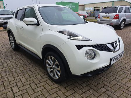 NISSAN JUKE 1.2 TEKNA DIG-T 5 DOOR MANUAL PETROL IN WHITE