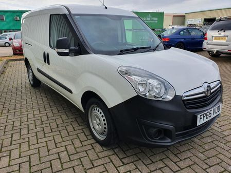 VAUXHALL COMBO 1.3 CDTI S-S ECOFLEX L2H1 5 DOOR MANUAL DIESEL IN WHITE NO VAT