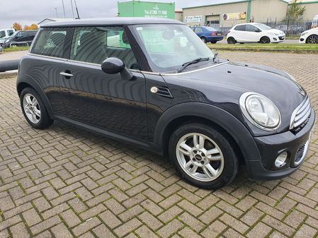 MINI HATCH ONE 1.6 ONE D 3 DOOR MANUAL DIESEL IN BLACK