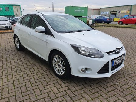 FORD FOCUS 1.6 TITANIUM TDCI 5 DOOR MANUAL DIESEL IN WHITE